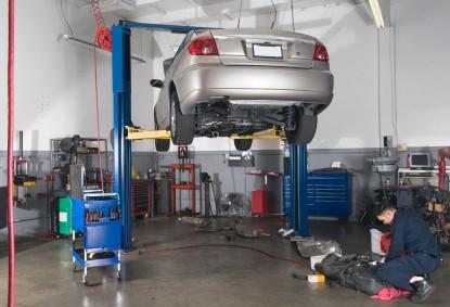 Whitemarsh Collision shop-car-lift